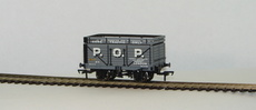 00 7 Plank Wagon with Coke Rail P.O.P London