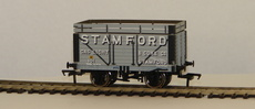 "00 8 Plank Wagon with Coke Rail ""Stamford Gas & Light\"""