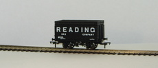 "00 8 Plank Wagon with Coke Rail ""Reading Gas Company\"""