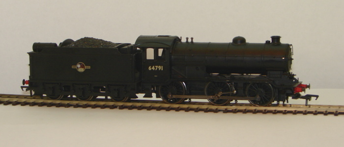 00 J39 64791 BR black L/Crest stepped Tender