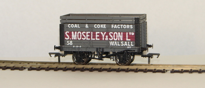 00 7 Plank Wagon with Coke Rail (S Moseley & Son)