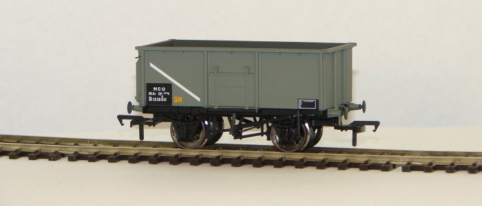 00 16 Ton Steel Mineral Wagon BR grey without Top Flat Doors