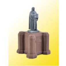 H0 Martin Luther Statue